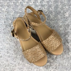 Universal Thread Aurora Tan Espadrille Sandals 8